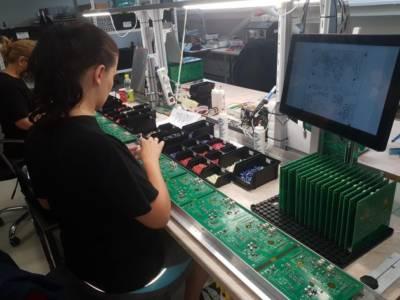 CANOR AUDIO - Desky plošných spojů jsou vyráběny automatizovanou linkou CMT a ručně